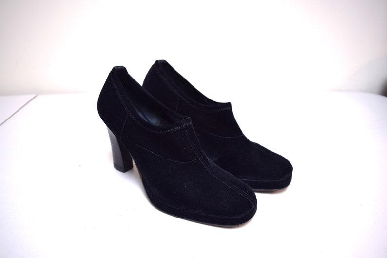5988bda6b4cf VINTAGE DKNY Black Stretch Velvet Platform Pumps Booties Heels