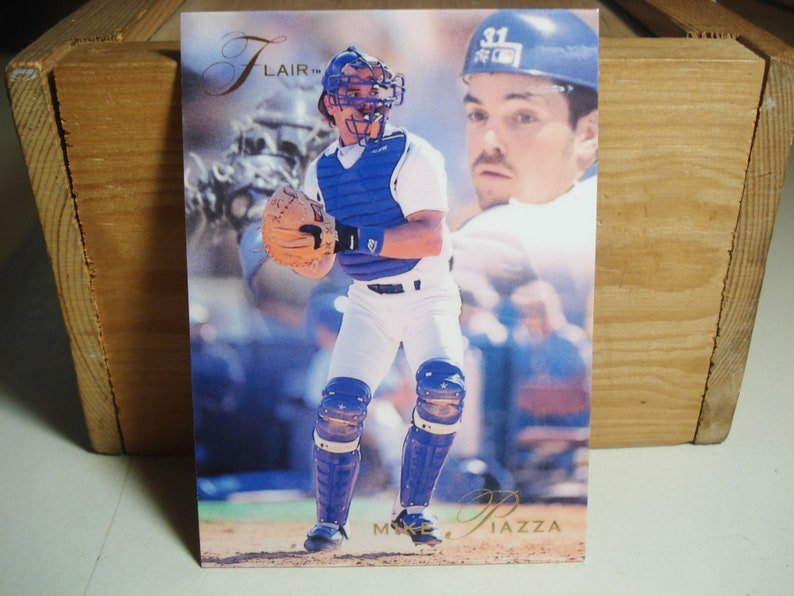 Mike Piazza Piazza Card Piazza Fleer Flair Baseball Card Dodgers Hall Of Famer Catcher Sports Mlb Card Sports Collectible Dodgers