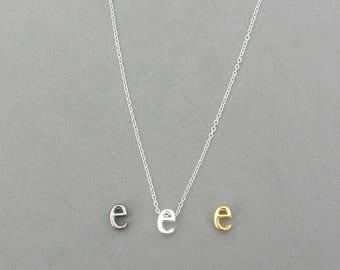 Initial e Necklaces 373