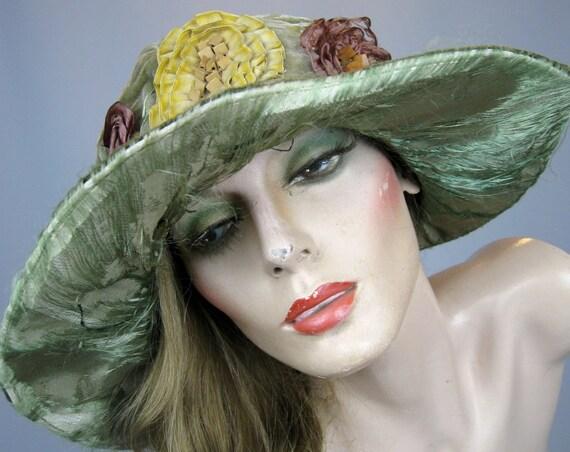Antique 1920s Flapper Cloche Hat, Vintage 20s Velvet Wide Brim Hat with Ruched Silk Ornamentation, Bulena Hat Paris New York