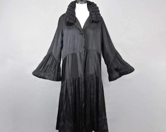 Reserved Antique 1920s Opera Coat, 20s Flapper Coat, Black Silk Avant Garde Micro Pleated Art Deco Evening Coat