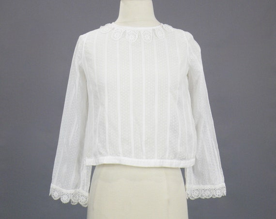 Antique 1920s White Dotted Swiss Blouse with Scalloped Lace Trim, 20s Blouse, XS-Small