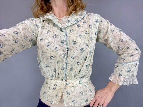 Antique 1910s Edwardian Calico Prairie Blouse with Blue Roses, XS