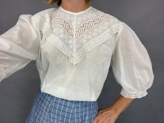 Antique Vintage White Embroidered Cotton Eyelet Blouse, Short Puff Sleeve Top