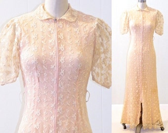 1940s Net Lace Dressing Gown, Vintage 40s Dress, Embroidered Peach Net Lace Dress, XS - S