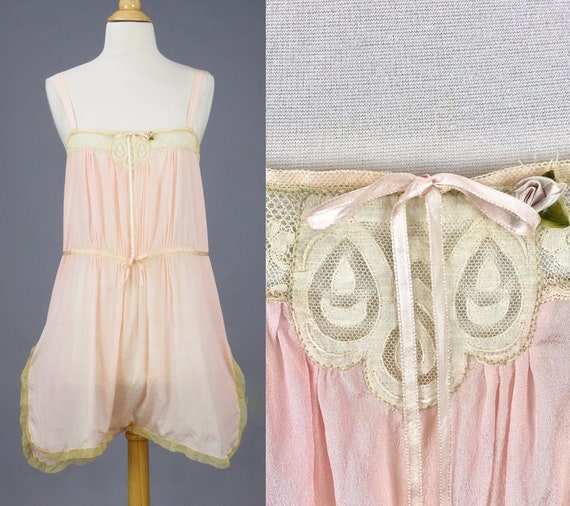 Antique 1920s Pink Silk Lace Step-In Chemise Flapper Lingerie, 1920s Camiknickers, XS - S Excellent