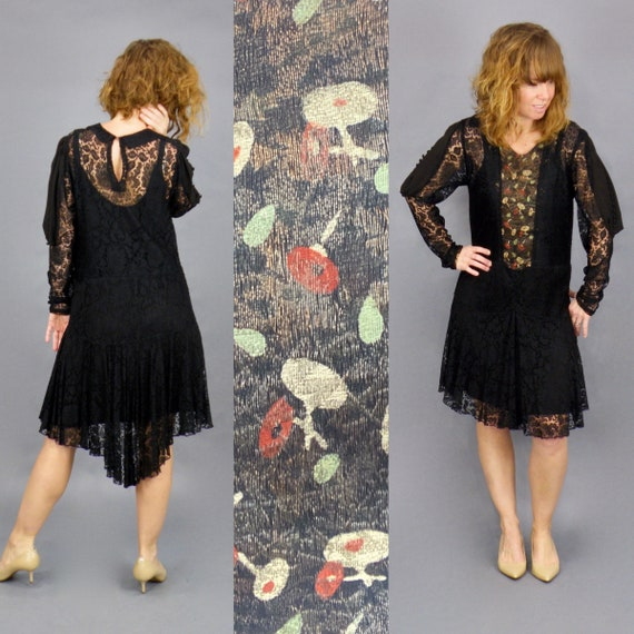 Vintage 1920s Metallic Lamé Lace Flapper Dress with Long Cutout Crepe Button Sleeves, XS - S