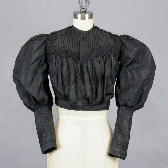 1890s Blouse with Dramatic Leg of Mutton Sleeves,