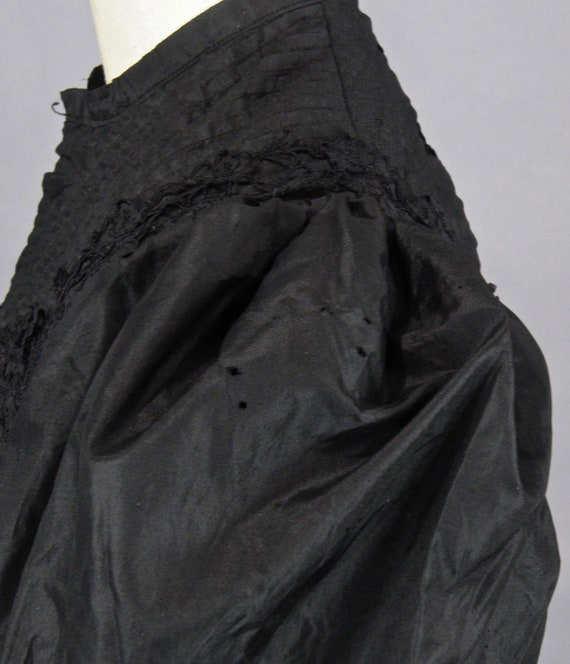 1890s Blouse with Dramatic Leg of Mutton Sleeves,… - image 8