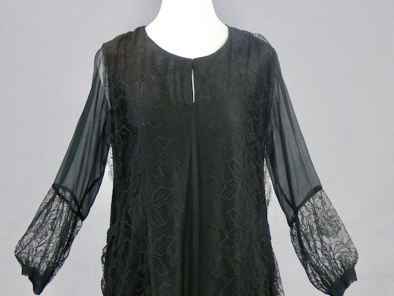 Vintage 1920s Black Silk Lace Jazz Age Dress, Size Large