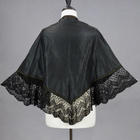 Antique Victorian Lace Trim Black Silk Taffeta Mourning Cape