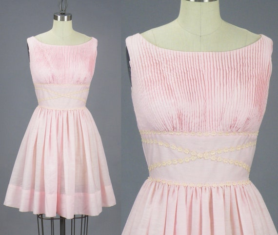 Vintage 1950s Pleated Pink Cotton Summer Dress with Floral Appliqués, XS