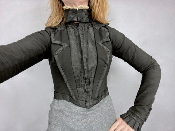 Late 1890s 1900s Antique Cropped Black Victorian Bodice Jacket with Calico Lining, XS