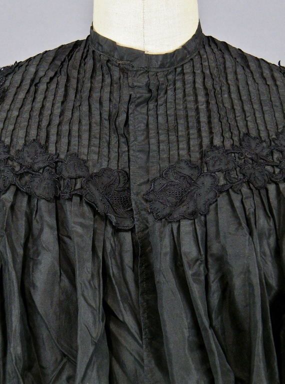 1890s Blouse with Dramatic Leg of Mutton Sleeves,… - image 4