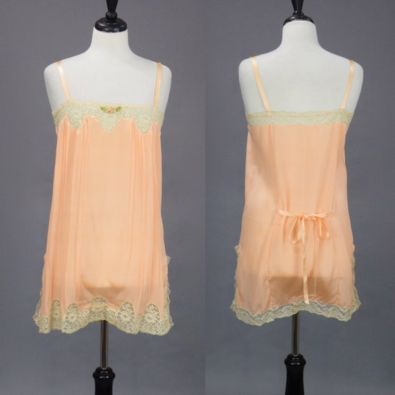 Vintage 1920s Peach Step-In Chemise, 20s Flapper Lingerie, 1920s Lace Trim Camiknickers Teddy with Silk Ribbon Flowers, S/M - Medium