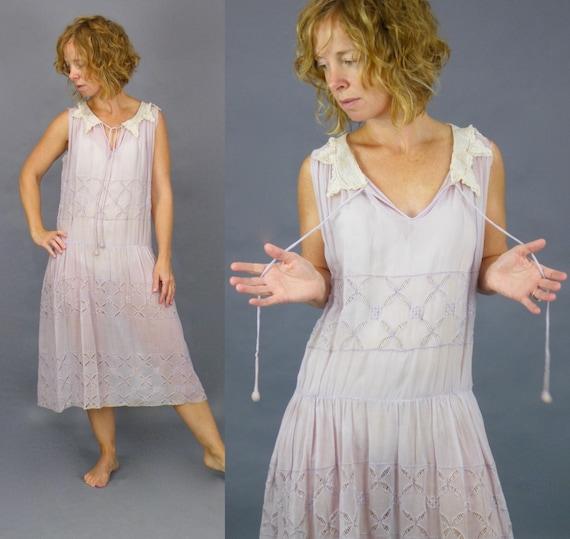 Vintage 1920s Cotton Dress, 20s Dress, Pale Lilac Cotton Voile Lawn Party Jazz Age Dress with Cutwork Petals, Small