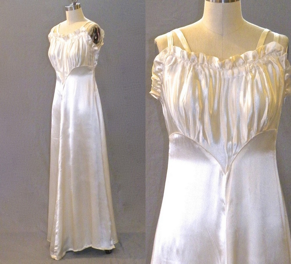 1940s Dressing Gown: Vintage 1940s Gown 40s Dress 1940s Ivory Satin Wedding