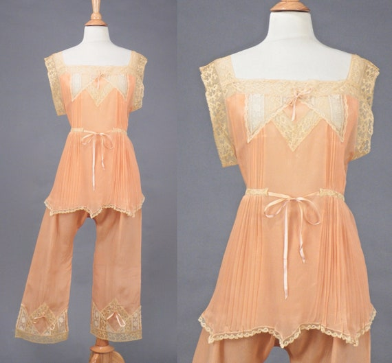 Vintage 1920s Pajama Set, 20s Peach Silk Lace Camisole Top and Pajama Pants, Flapper Lingerie Bridal Boudoir, S - M