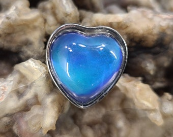 Adjustable Heart Mood Ring with Interpretation Card Magical Fire