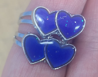 Adjustable Double Heart Mood Ring with Interpretation Card Magical Fire