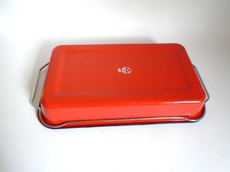 Sale Vintage Red /& White Enamelware Casserole Baking Pan with Chrome Carrier