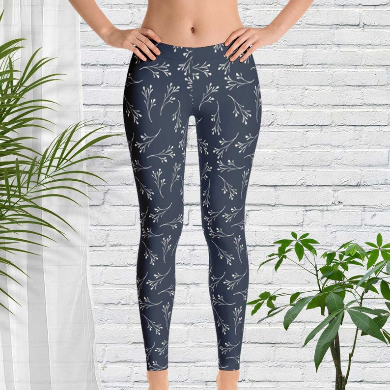 c73587cab11e Leggings in a Navy Blue and White Floral Print Clothing