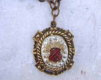 Vintage Shield Coat of Arms Necklace Faux Pearl Red Enamel Knight Chunky necklace