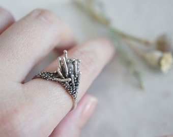 Poppy Seedpod Ring silver ring / AMARANTA Collection