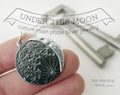 UNDER THIS MOON / Keychain - Customised lunar phase keychain of your special night in silver 925, realistic silver moon phase, birthmoon
