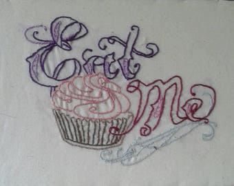 alice in wonderland : eat me cupcake
