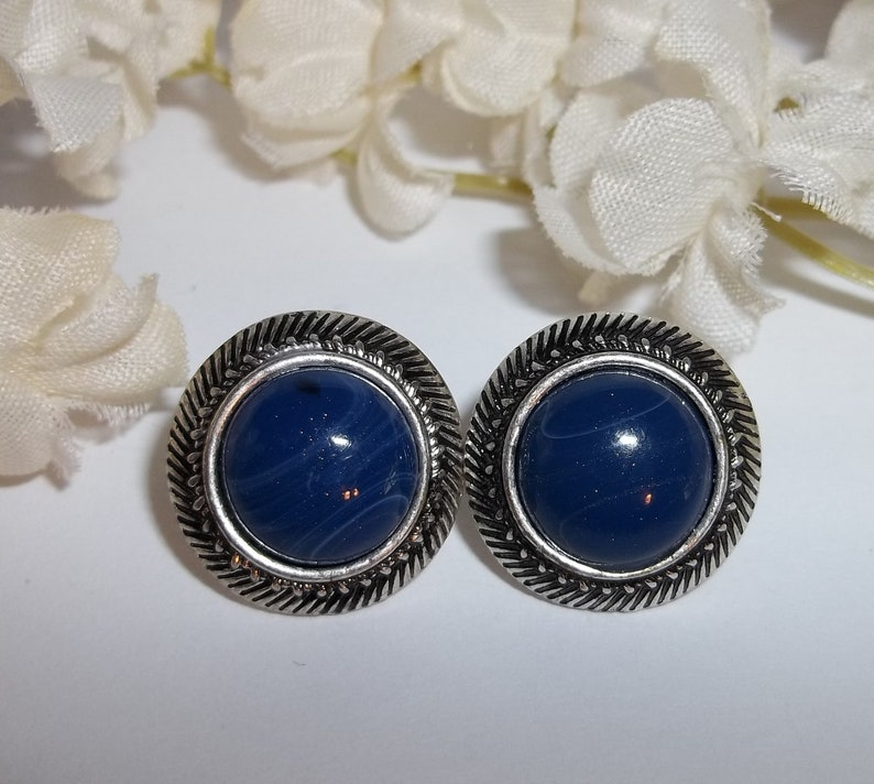 Vintage Costume Jewelry Earrings Silver and Blue Faux Lapis Woman Fashion Funky Circle Post Style Backs Pierced Retro Pair Set wvluckygirl