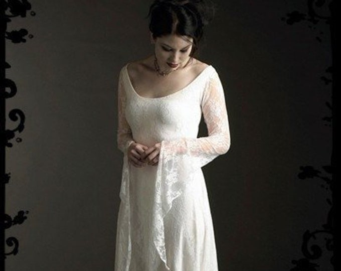Laurier Fairy Wedding Dress in Lace