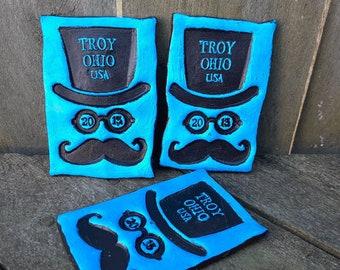 Troy Ohio GOTR TROY 2013 keepsake concert souvenir fridge magnet top hat mustache Gentlemen of the Road blue black