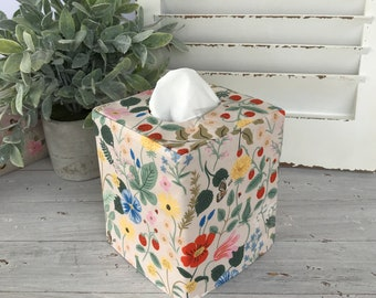 Floral reversible tissue box cover