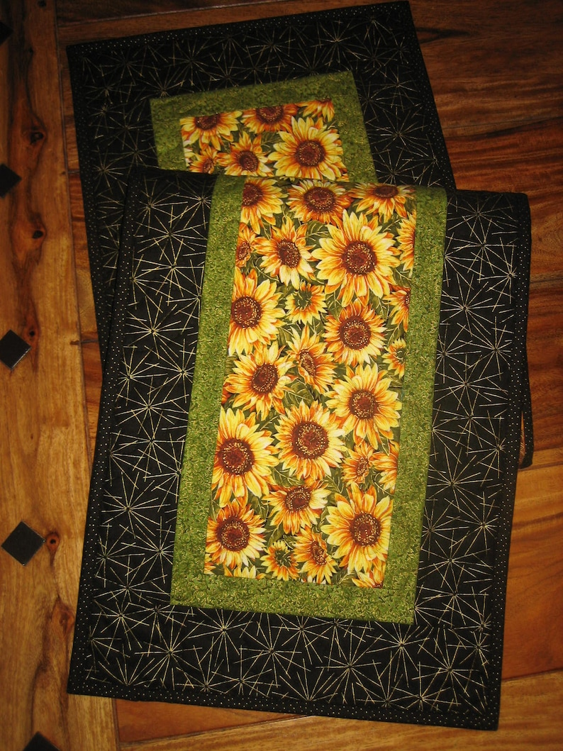 Wondrous Yellow Sunflowers Quilted Table Runner Reversible Cotton Fall Table Decor 13 X 47 Coffee Dining Buffet Table Piano Bench Handmade Machost Co Dining Chair Design Ideas Machostcouk