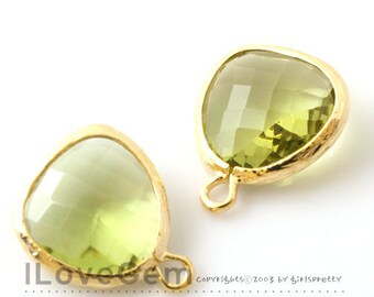 SALE 20% off // 10pcs of P1750 Gold plated, Peridot Green, Glass fancy rosecut 12.5mm, Glass pendant, Framed glass
