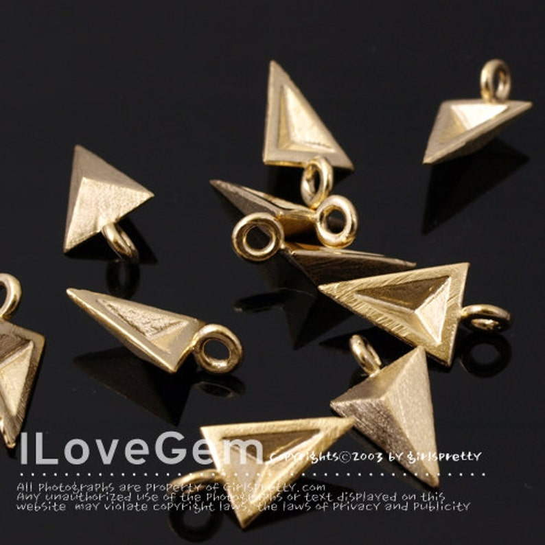 Geometric Pendant NP-1677 Matt Gold Plated 4pcs Faceted Triangle