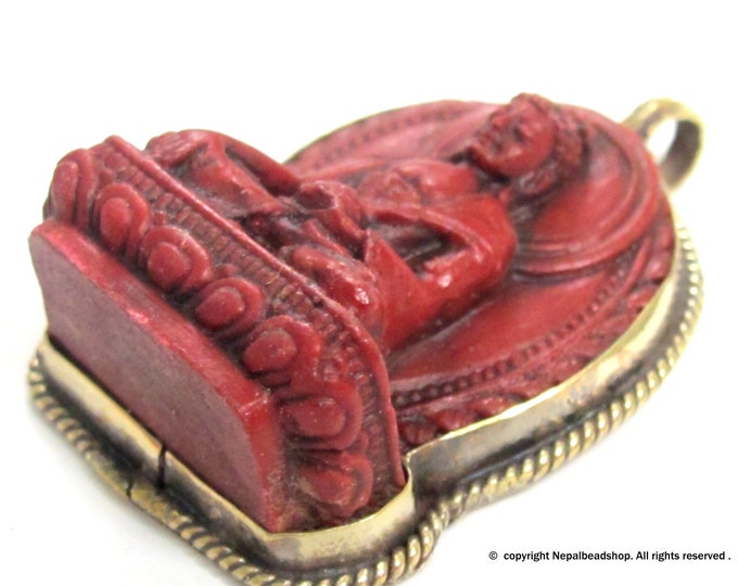 Meditating red Buddha Tibetan pendant from Nepal - PS003D