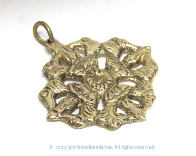 1 Pendant - Tibetan double dorje vajra brass pendant  Nepal - CP131