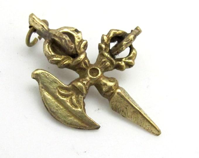 1 Pendant - Small size Ethnic Phurba Vajra dagger  pendant from Nepal - CP065