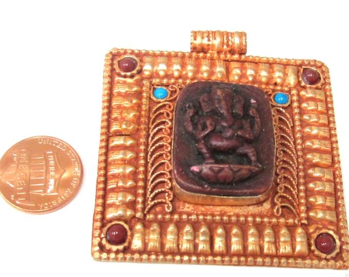 Beautiful red color Hindu God Ganesha filigree pendant - PM109R