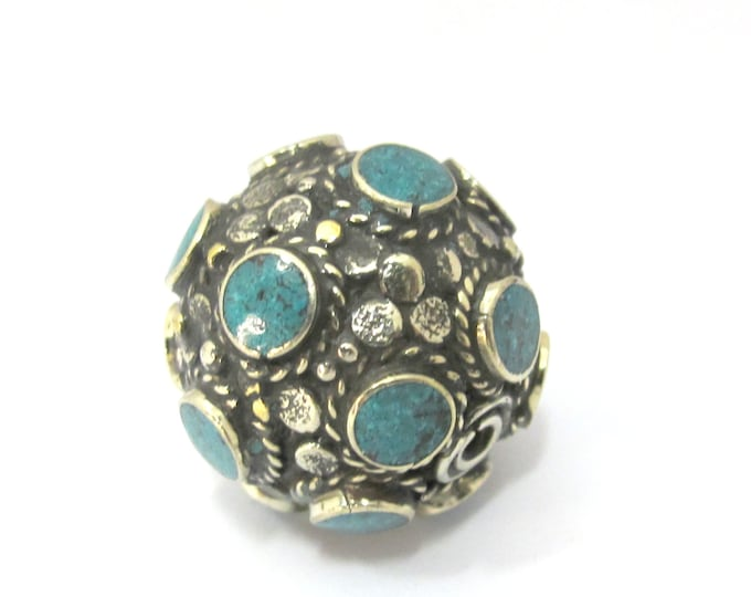 1 Bead - Beautiful Tibetan turquoise inlaid focal pendant bead from Nepal 25 mm size - BD894