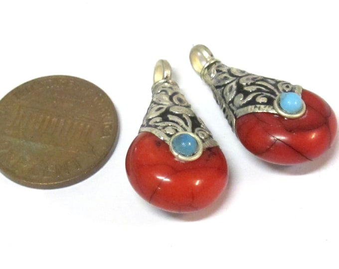 2 charms  - Ethnic Tibetan small petite size teardrop shape red crackle resin reversible charm pendant with flower design on bail  - PM607Cs