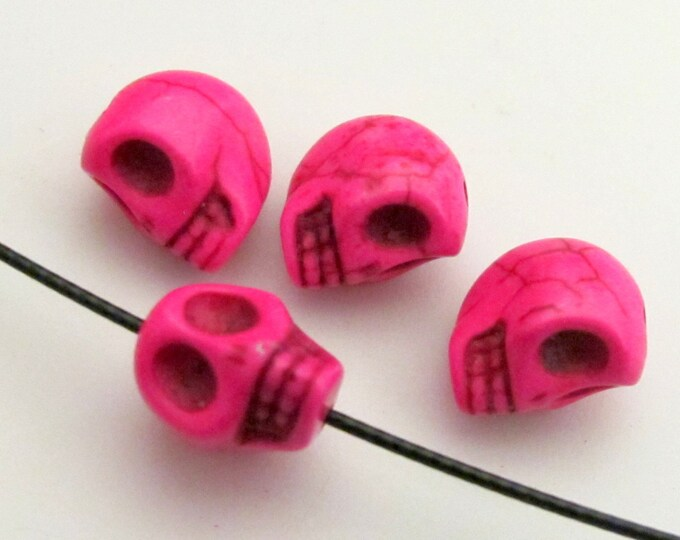 Pink Howlite turquoise skull beads - 4 pieces - GM085