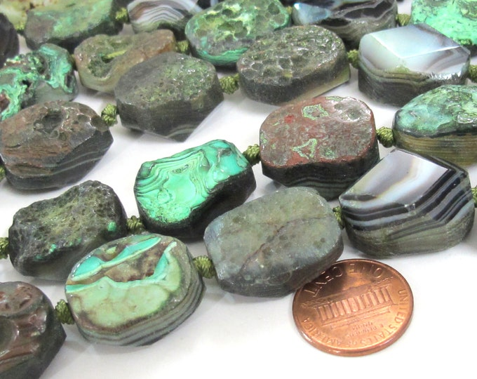 4 BEADS - Beautiful oval shape reversible Green color rough agate coin slab beads and facet cut smooth on reverse side - GM289K