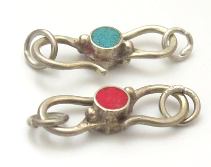 1 clasp - tibetan clasp  S hook Reversible clasp handmade from Nepal with turquoise and coral inlay - BD604B