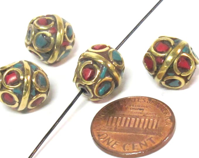 Beautiful Pair of nepalese brass beads  oval shape circles design with turquoise coral inlay - 2 beads - BD051A
