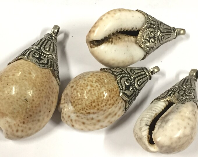 1 shell  pendant - Large gorgeous  Tibetan  silver lotus floral design bail capped ethnic shell pendant shell jewelry supplies - SP062