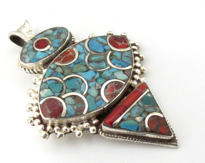 Tibetan silver arrow head oint shape pendant inlaid with turquoise and coral - PM079B