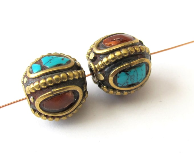 Beautiful nepalese beads - 2 beads - BD055